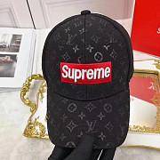 Купить. одную бейсболку Louis Vuitton & Supreme в modnitca доставка из г.Москва