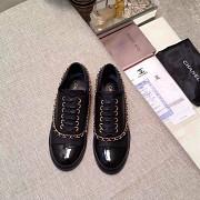 Чёрные лоферы Chanel из лакированной кожи в modnitca Москва