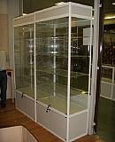 Пристенные витрины Москва