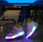 Светящиеся роликовые кроссовки на двух колесах Томск