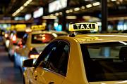 В таксопарк требуются водители на постоянную работу (не аренда) Ростов-на-Дону