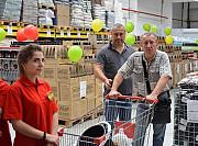 Требуются продавцы и охранники с-т Светофор Москва