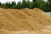 Продажа и доставка строительного песка. Москва