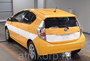 Автомобиль хэтчбек гибрид TOYOTA AQUA 2012 гв Москва