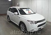 Автомобиль кроссовер гибридный MITSUBISHI OUTLANDER PHEV Москва