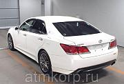 Автомобиль седан TOYOTA CROWN год выпуска 2014 Москва