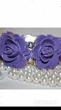 Браслет новый на резинке сиреневый фиолетовый розы пластик бижутерия украшение женский летний вечерн Москва