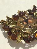 Брошь бижутерия стразы сваровски swarovski кристаллы украшен Москва