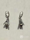 Серьги пчела бижутерия украшение металл под золото камни натуральные сережки женские мода стиль топ Москва